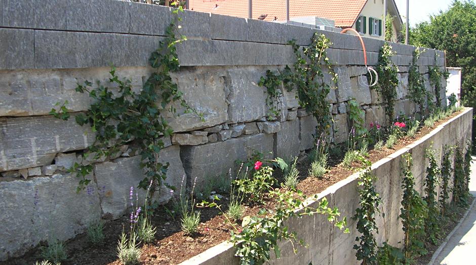 Gartengestaltung mauer in region hergiswil villiger arnosti for Gartengestaltung mauer